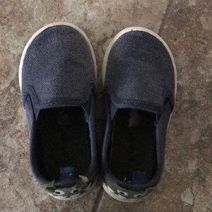 Carters size 7 tween blue monster slip on shoes